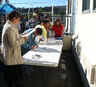 Mexican consulate 39 s mobile matricula consular id center on for Mexico mobel